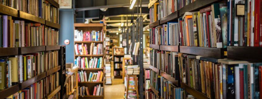 Avaliação de bibliotecas pelo MEC: fotografia interna de uma biblioteca.