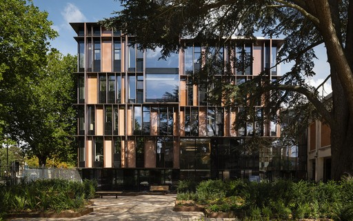 Edifício Beecroft, que integra o Departamento de Física da Universidade de Oxford, na Inglaterra. Foto de Jim Stephenson.